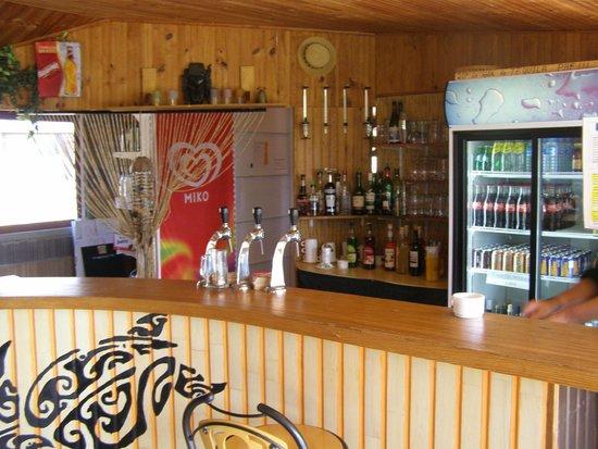 Saint-Symphorien, France : Le bar