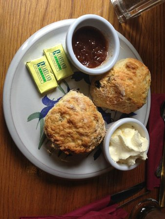 Maguires Cafe: home made scones