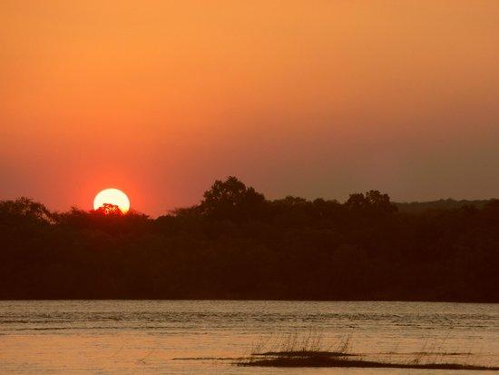Camp Nkwazi: delightful sunset cruise