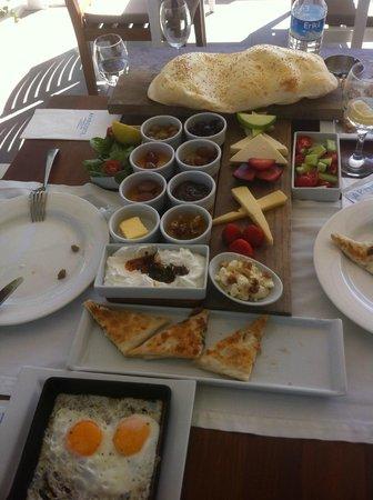 Aphrodite Restaurant: Turkish breakfast