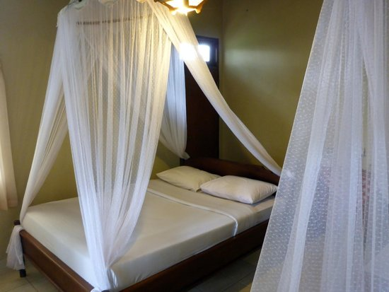 Guru Ratna Homestay: Room