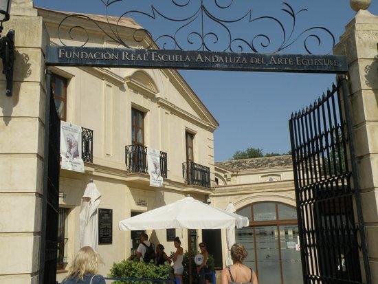 Fundación Real Escuela Andaluza del Arte Ecuestre: Entrada