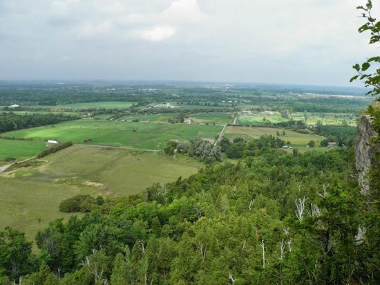 Mount Nemo Conservation Area: View from the escarpment