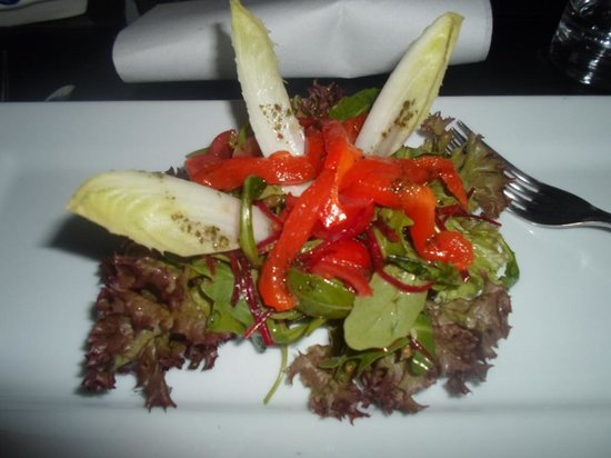 La Stanza : Salad with grilled peppers was for a starter