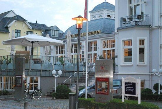 Hotel Vier Jahreszeiten Kuehlungsborn: Außenansicht
