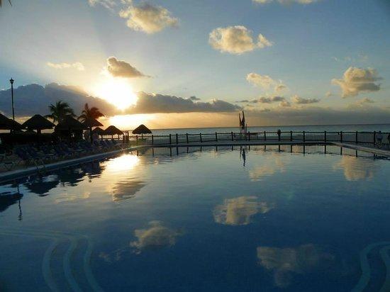 Allegro Playacar : Activities Pool