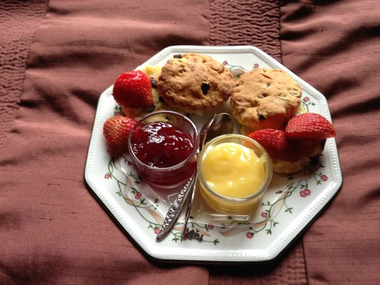 Ashaig Bed and Breakfast: our supper time treat