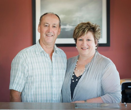 Cornwall Motor Lodge: Tom and Esther -Owner / Operators