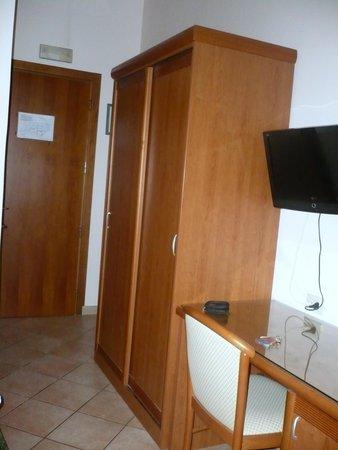 Hotel Philia: Stanza 214 (particolare)
