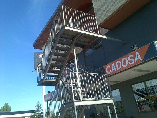 Hotel Cadosa: Entrada del Hotel al llegar.