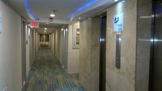 Holiday Inn Express San Juan Condado: Hallway
