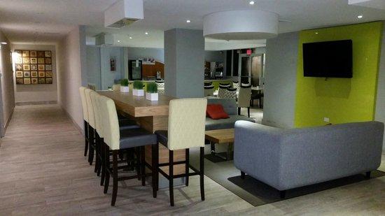 Holiday Inn Express San Juan Condado: Breakfast Area