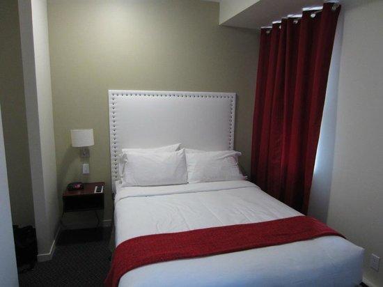 Hotel du Nord: Small room