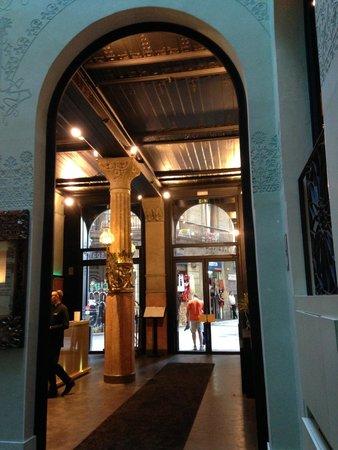 Hotel Espana: The Beautiful Lobby