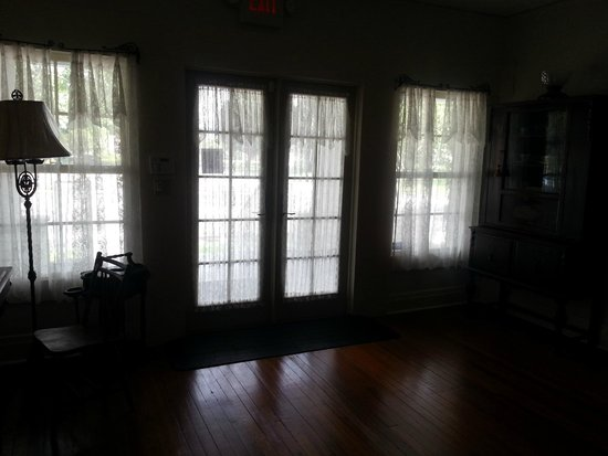 Old Davie School Historical Museum: french doors