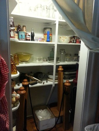 Old Davie School Historical Museum: pantry