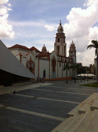 Panteón Nacional: Side view