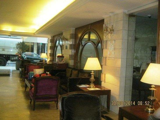 Napoleon Hotel: الاستقبال