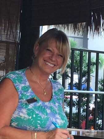 Courtyard Cocoa Beach Cape Canaveral: Love Kim H.!  Way to start a vacation.  Best smile and great service.  Thanks Kim.
