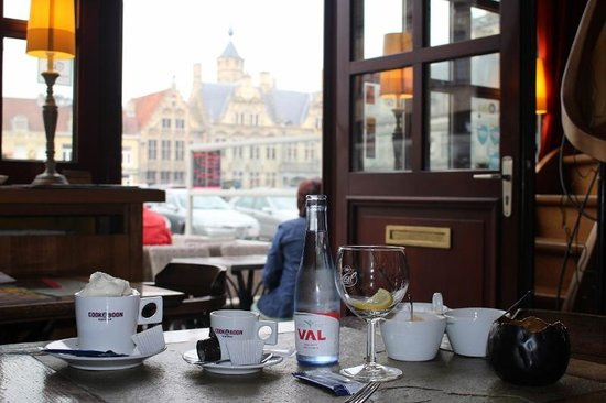 Mozaiek: coffee with a view over Grote Markt