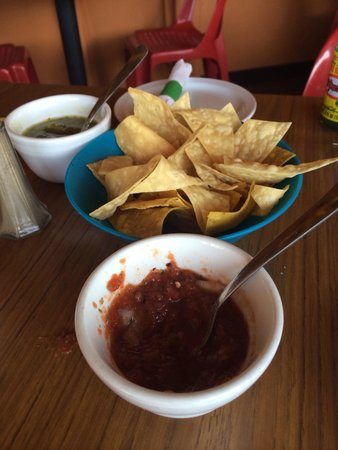 Casa del Sol: Chips and salsa
