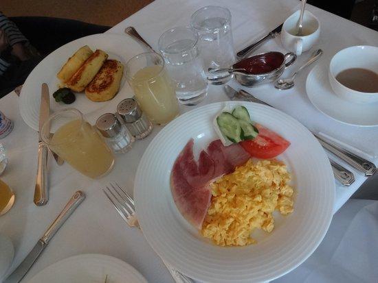 Hotel New Grand: 朝食