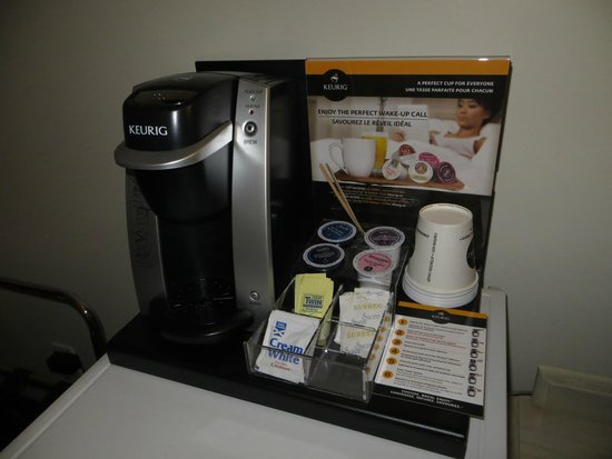 Suburban Motel: Coffe, tea, and cocoa...at your service.