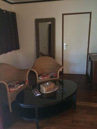 Oure Tera Beach Resort : vue d'interieur