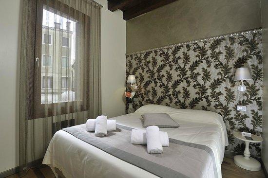 Rio Venezia Hotel : Economy double room