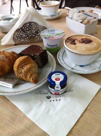 Hotel 'A Pazziella: Café da manhã