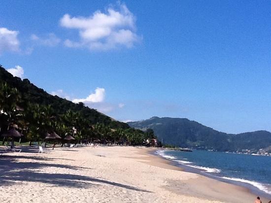 Portobello Resort & Safari: canto esquerdo da praia