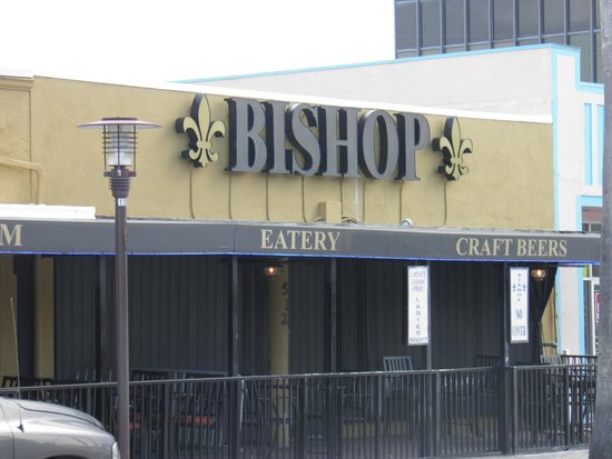 Bishop Tavern & Lounge