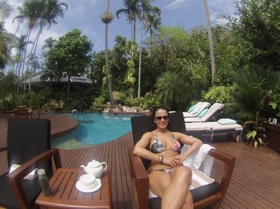 Bedarra Island Resort: Relaxing by the pool