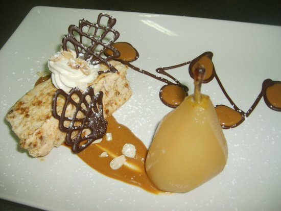 El Limonero: Poached pear, nougat glace, toffee sauce