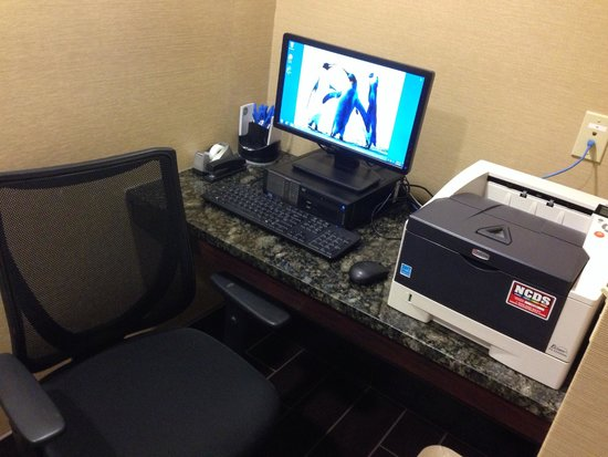 Comfort Inn & Suites: two desk tops with printers