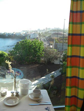 Maritim Hotel Tenerife: Sea view from the breakfast room