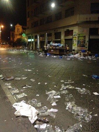 Fera 'o Luni - Mercato di piazza Carlo Alberto: А это - рынок закончил свою работу