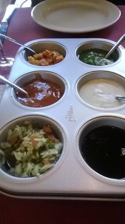 Delhi Indian Restaurant : pickle tray