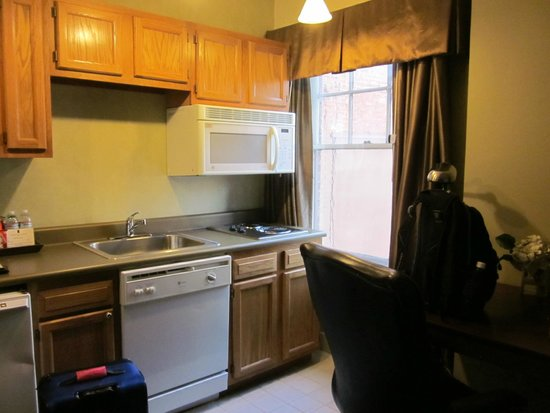Jefferson Clinton Hotel: Kitchenette