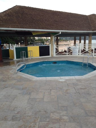 Sunscape Splash Montego Bay : Hot tub