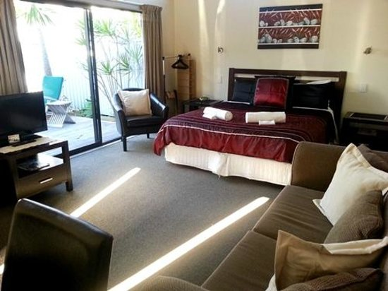 Tairua Shores Motel: Our room - Suite 8