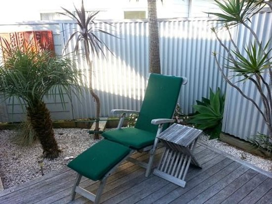 Tairua Shores Motel: Our private courtyard