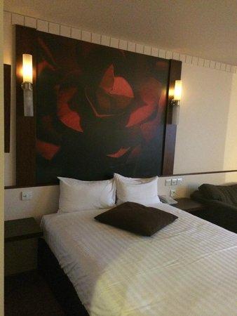 Ramada Glasgow Airport Hotel: Standard Room