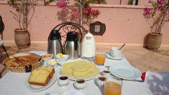 Le jardin d'Abdou : Petit déjeuner en terrasse