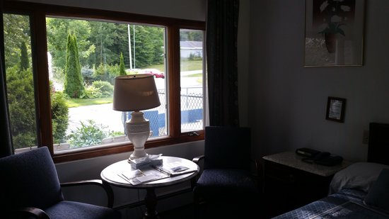 Parkers Motel: The front window