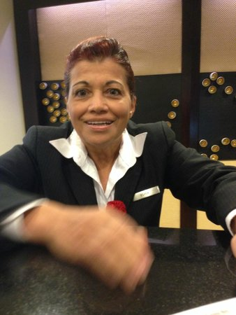 Tampa Airport Marriott: Elisa Joachin - Service with a Smile and much empathy