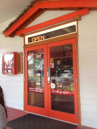 Papalani Gelato - Anchor Cove: The store front from the patio sets out side of Papalani Gelato.