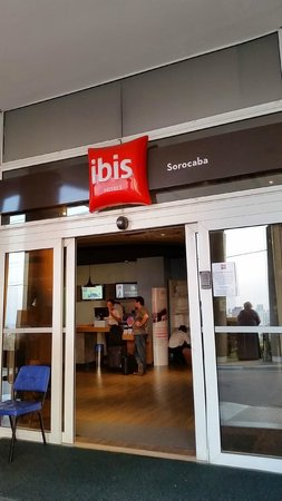 Ibis Sorocaba: Entrada principal