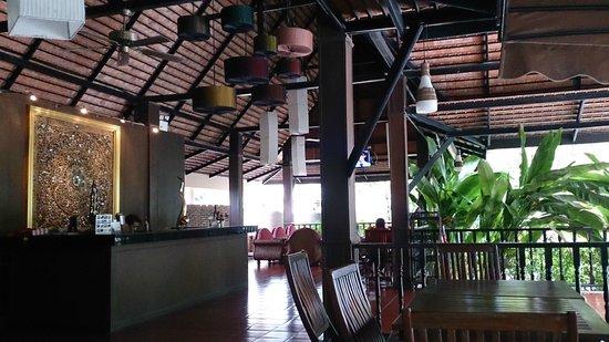 Inrawadee Resort: Dining and reception