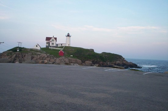 Cutty Sark Motel : Nubble Lighthouse Just up the Road